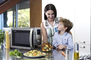 Sharp R982STWE 3-in-1 Mikrowelle mit Heißluft und Grill / 42 L / 1000 W / 1300 W Infrarotgrill / 2700 W Heißluft / 10 Automatikprogramme / LED-Display mit Uhr / Glasdrehteller (34,5 cm) / Edelstahl - 14